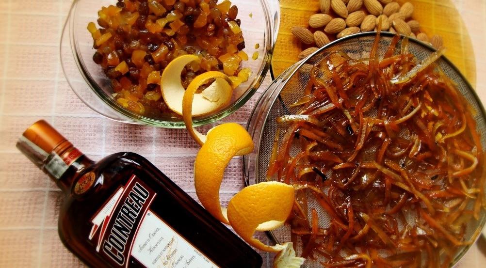 Марципан, захаросани корички и пияни плодове…да се подготвим за щолена от рано!