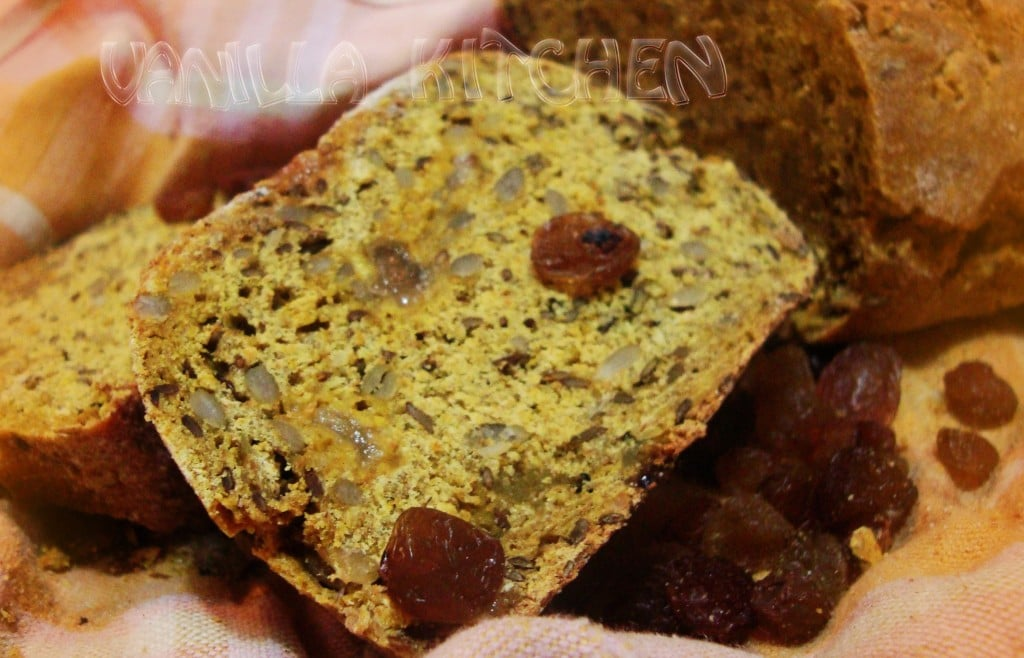 Хляб с нахутен квас и стафиди