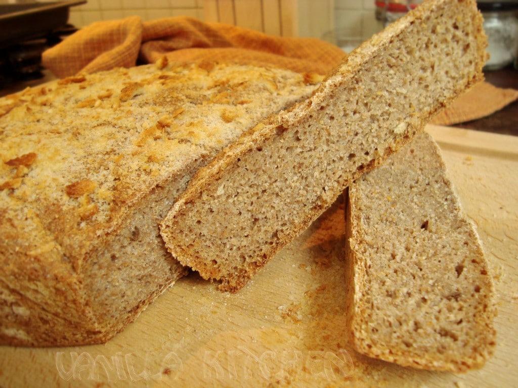 Хляб с квас и хрупкава коричка