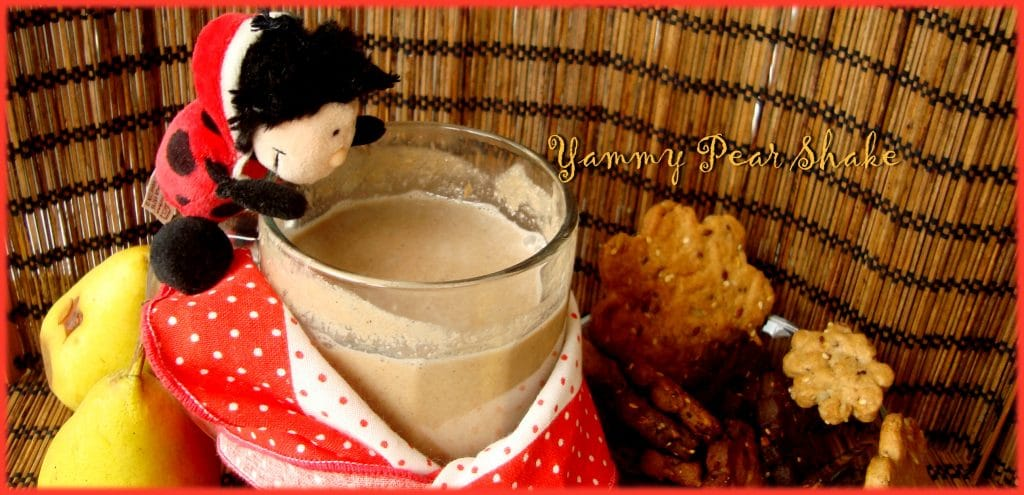 Шейк с круши и слънчогледово мляко /приказка за двете круши и лакомата калинка/