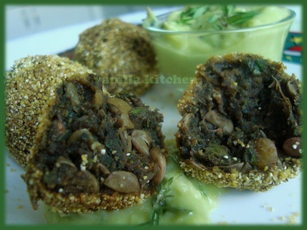 Копривени кюфтенца с дип от авокадо и киви