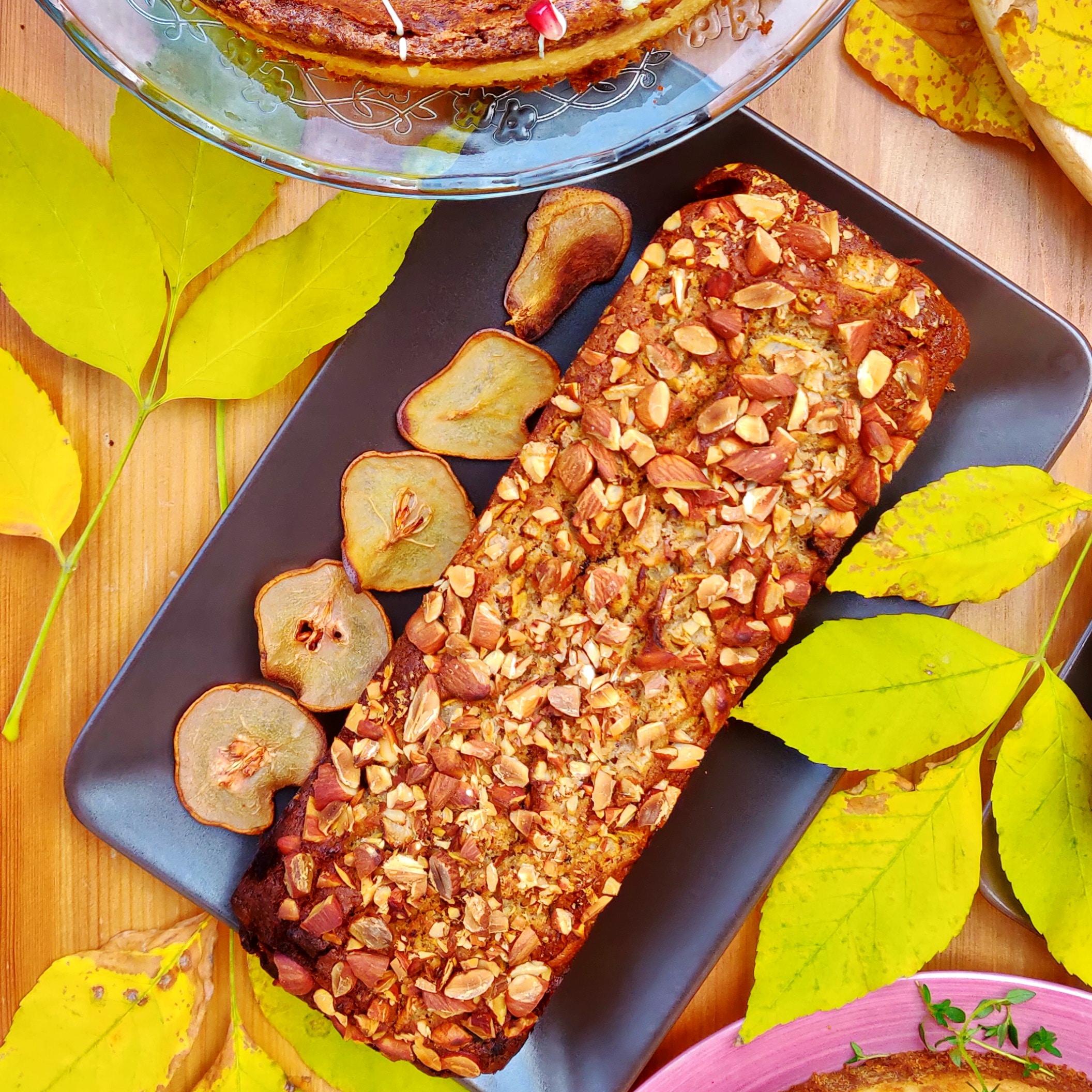 бадемов сладкиш с круши и фурми, без глутен