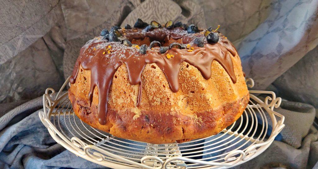 Веган кекс с шоколад и сливи